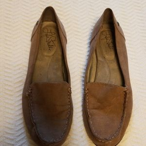 Life Stride tan loafers